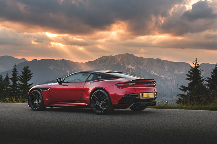 aston martin dbs superleggera side