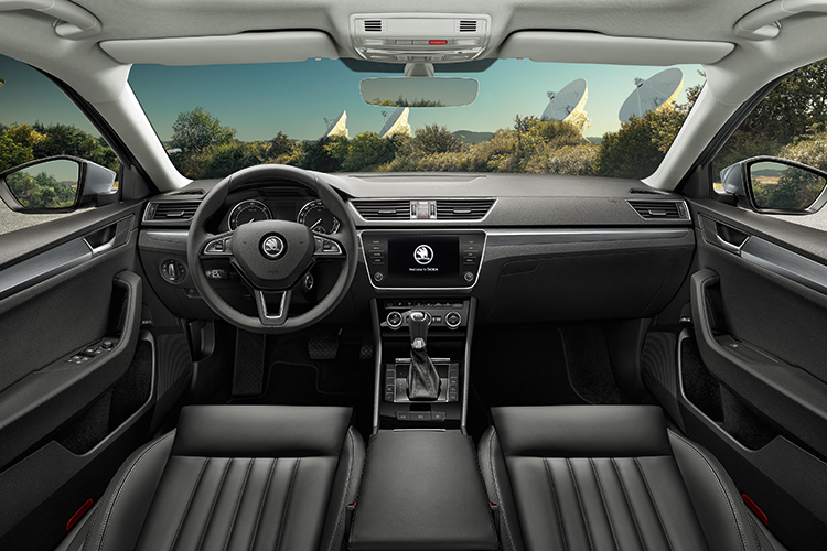 skoda superb cockpit