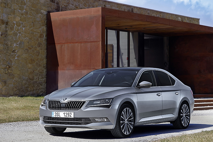 skoda superb static front