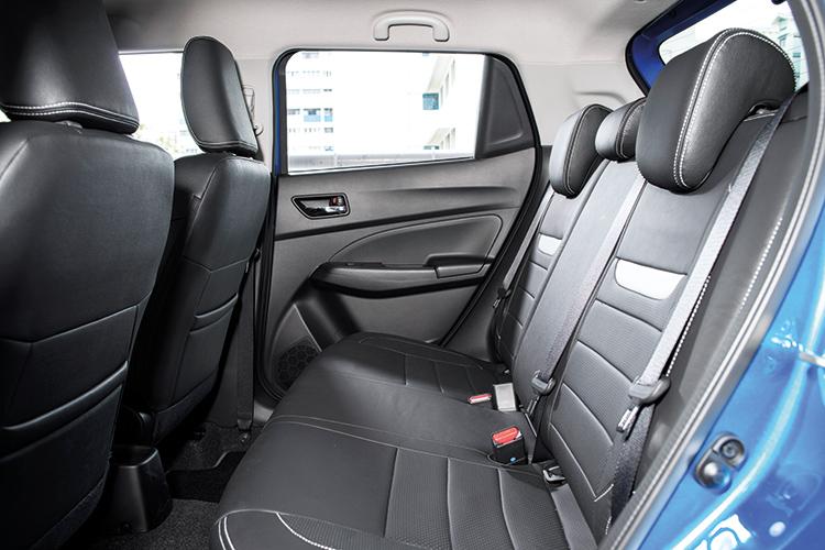 Suzuki Swift – Backseat