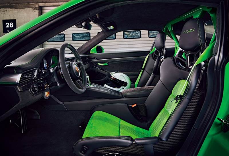 The PDK gearbox in the 911 GT3 RS has had its control systems improved so that it shifts faster.