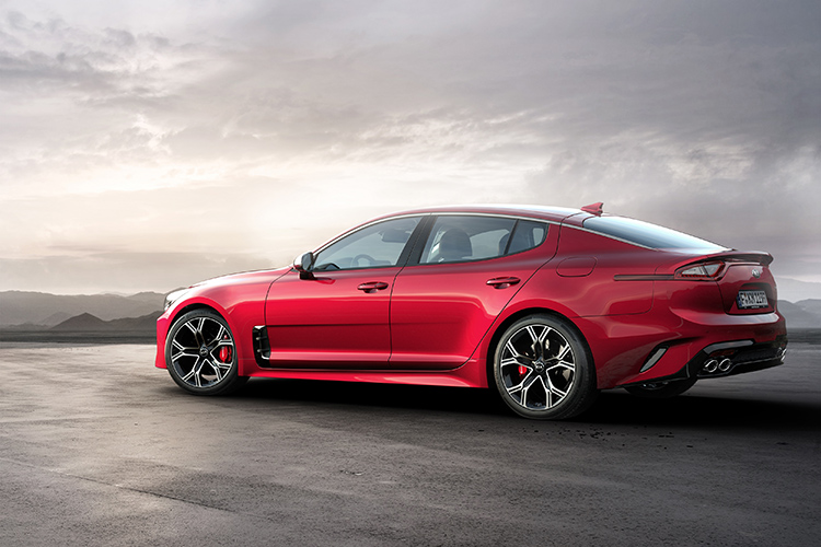 kia stinger profile