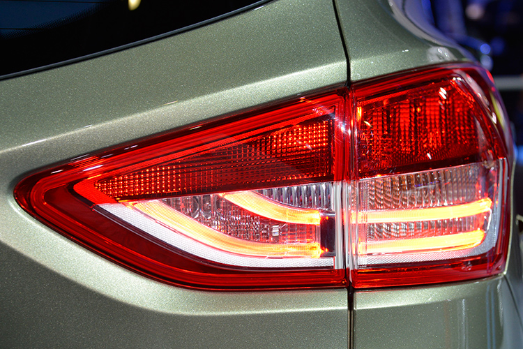 Car Tail Lights >> Find Out Why There Could Be Moisture In Your Car S Tail Lights