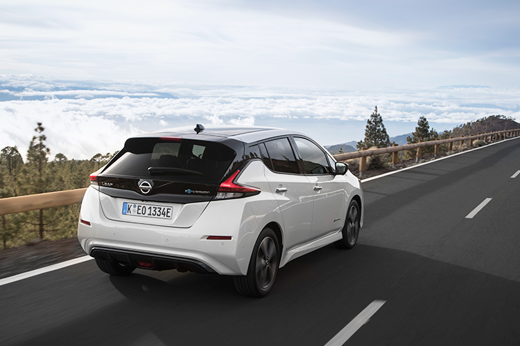 nissan leaf rear driving