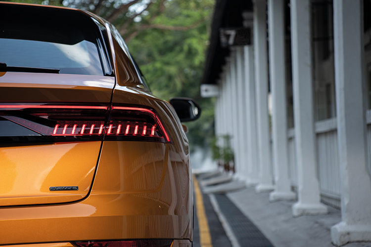 audi q8 tail-light