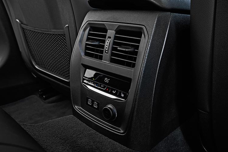 bmw 3 series rear air-con vents
