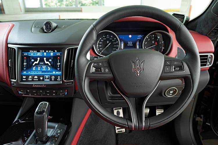 Maserati Levante S – Cockpit