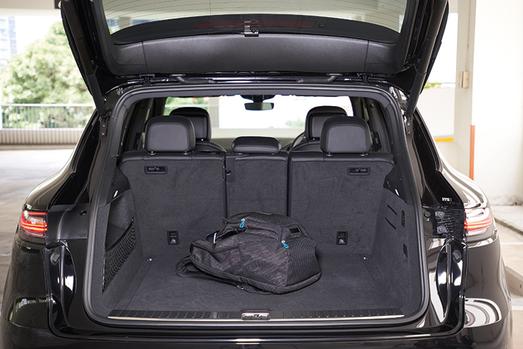 Porsche Cayenne S – Boot