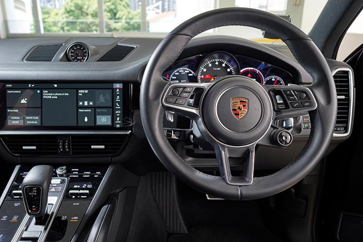 Porsche Cayenne S – Cockpit