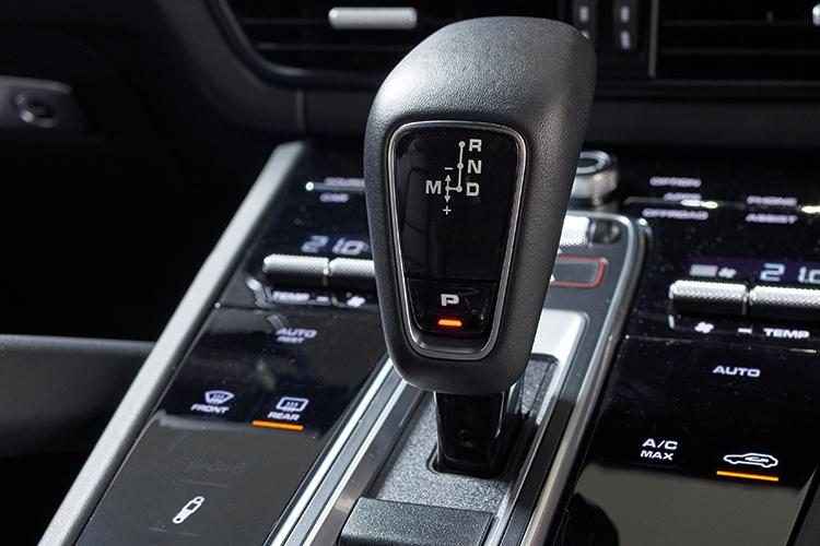 Porsche Cayenne S – Gearbox