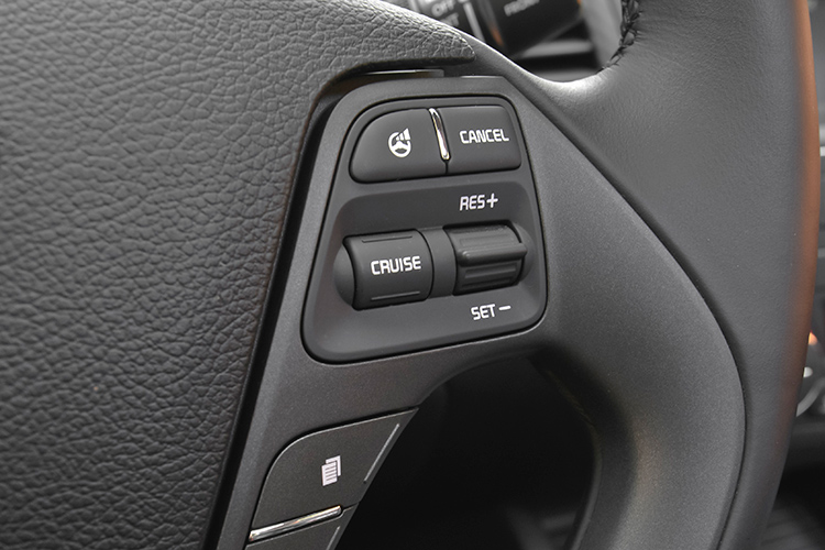 cruise control buttons