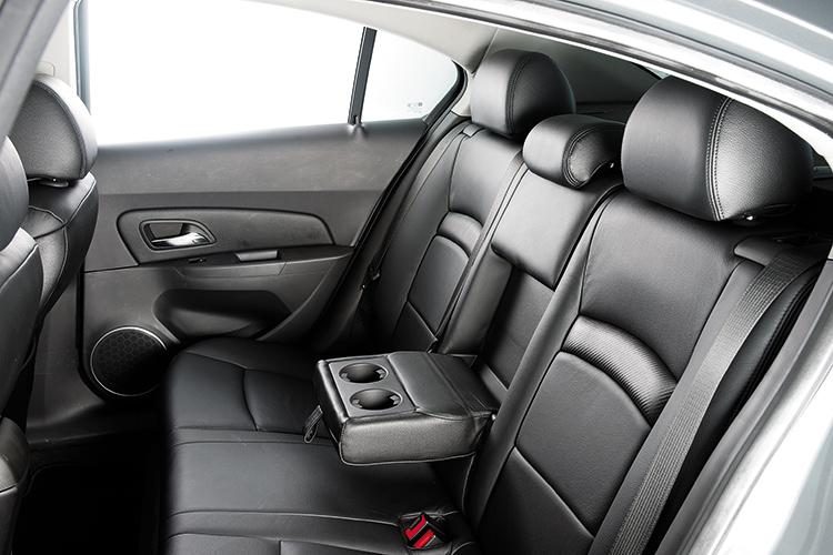 Cruze – Backseat