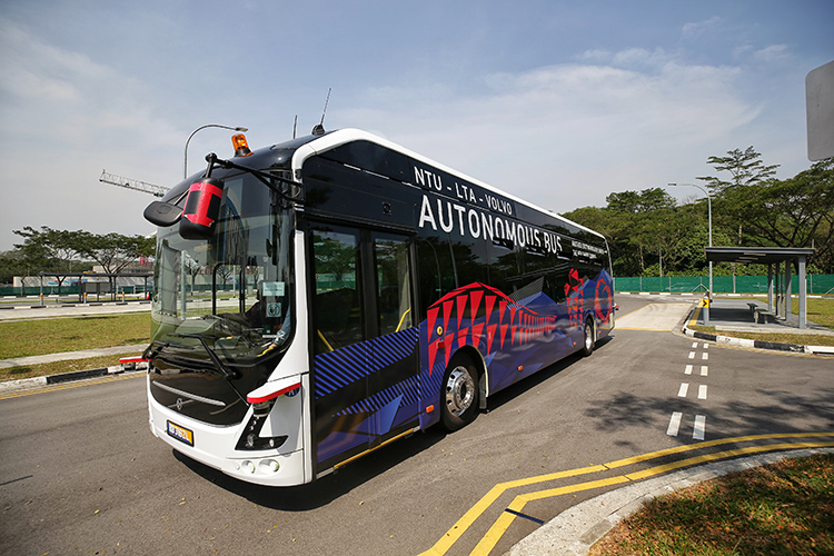 driverless bus 1