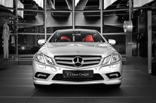 e-class coupe front static