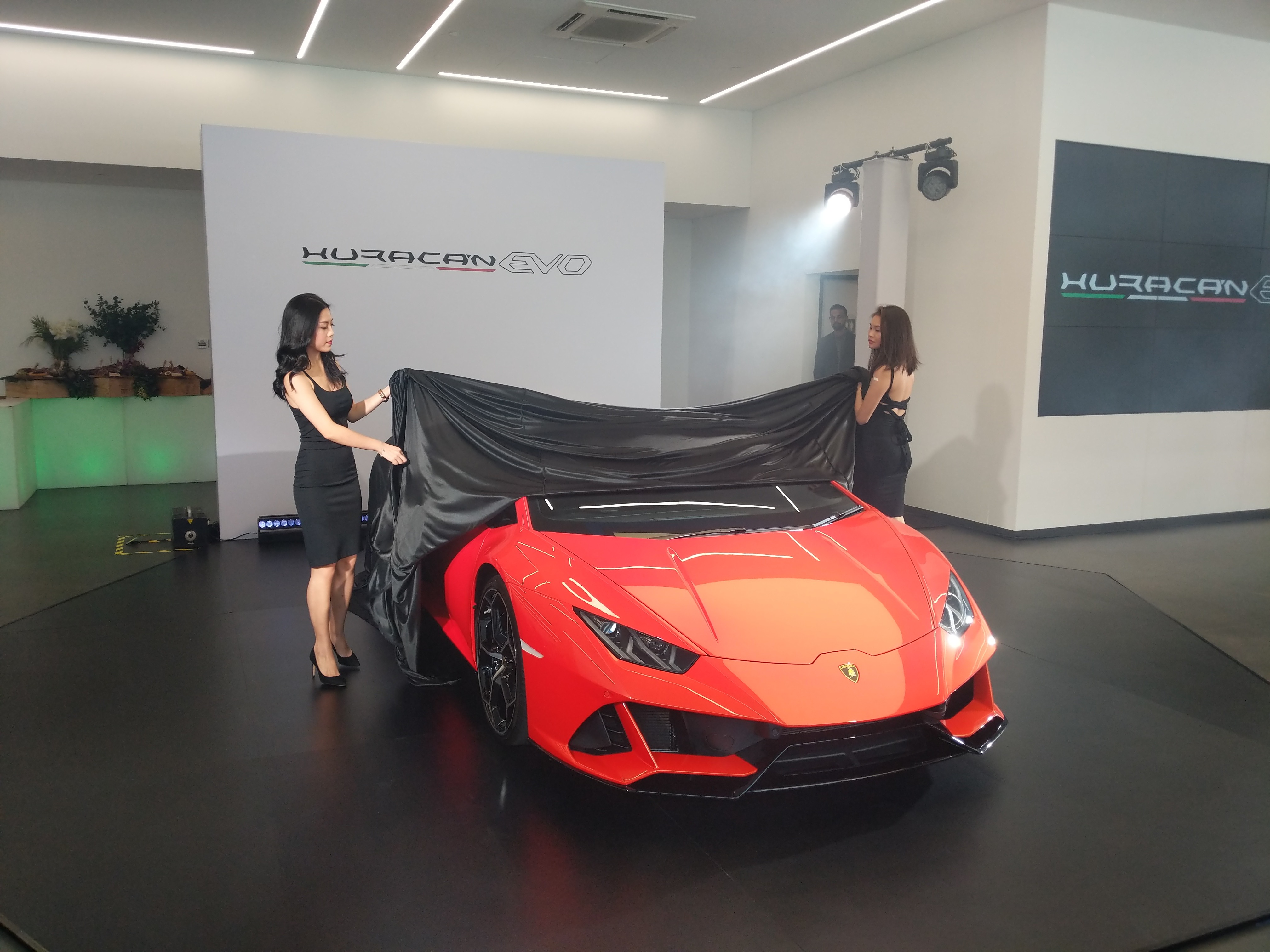 Lamborghini Huracan Evo Launches In Singapore For 998k Torque