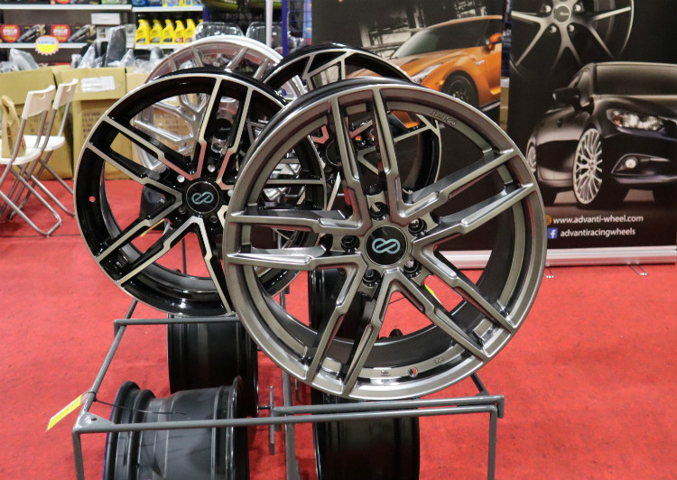 the cars at expo enkei wheels