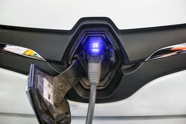 electric cars singapore renault kangoo z.e. charging port