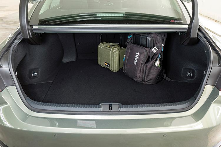 Lexus ES250 – Boot