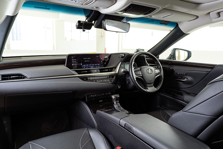 Lexus ES250 – Cockpit