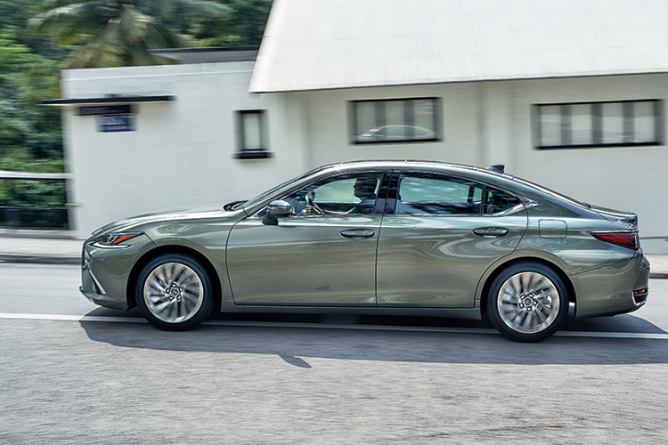 Lexus ES250 – Ride & Handling