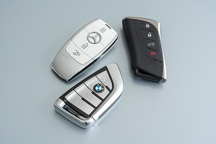 Lexus ES250, BMW 520i and Mercedes-Benz E200 – Keys