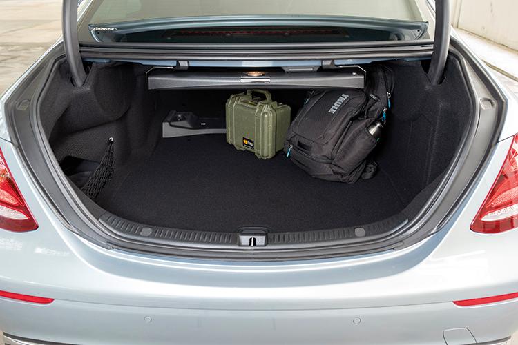 Mercedes-Benz E200 – Boot