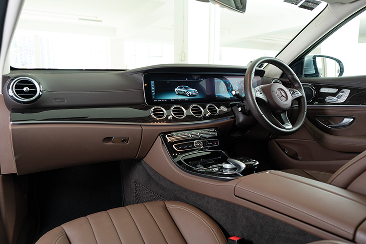 Mercedes-Benz E200 – Cockpit