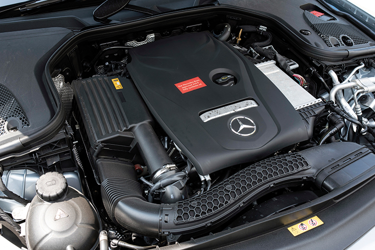 Mercedes-Benz E200 – Engine