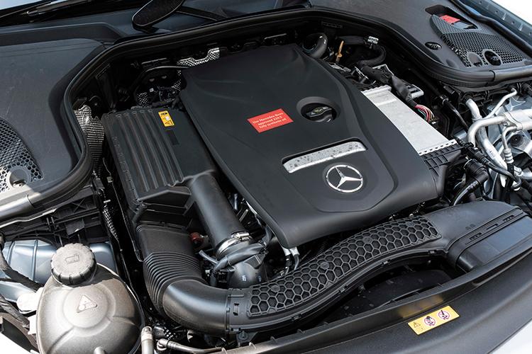 Mercedes-Benz E200 – Engine