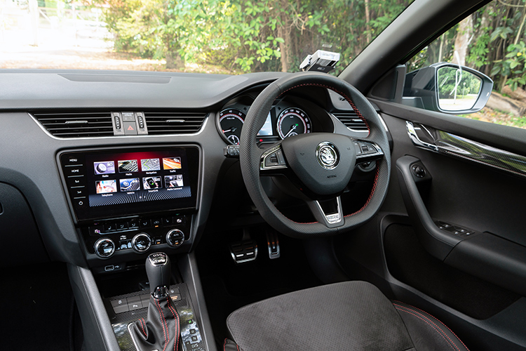 octavia rs interior