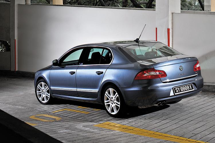 superb 1.8 rear