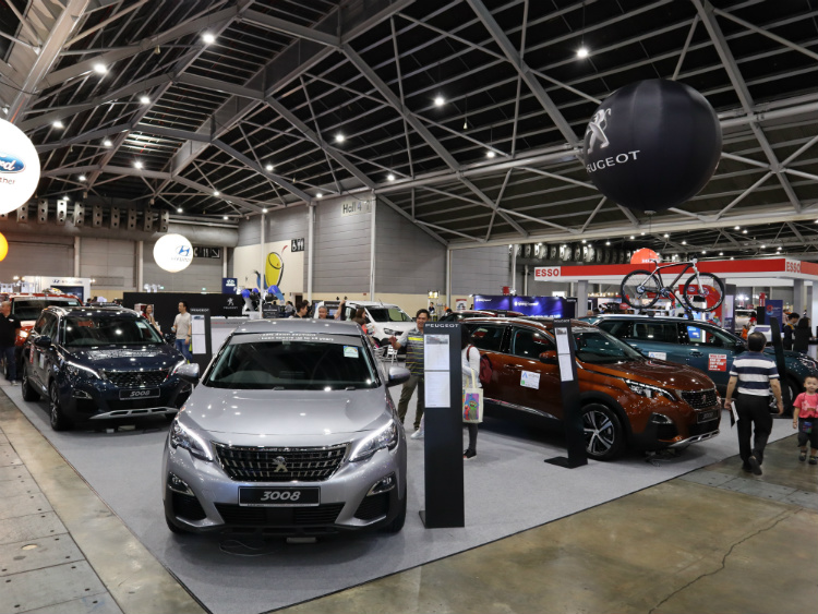 Car Expo Standsay : The cars expo things to check out besides the cool cars