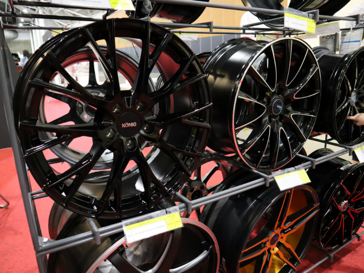 the cars at expo konig wheels