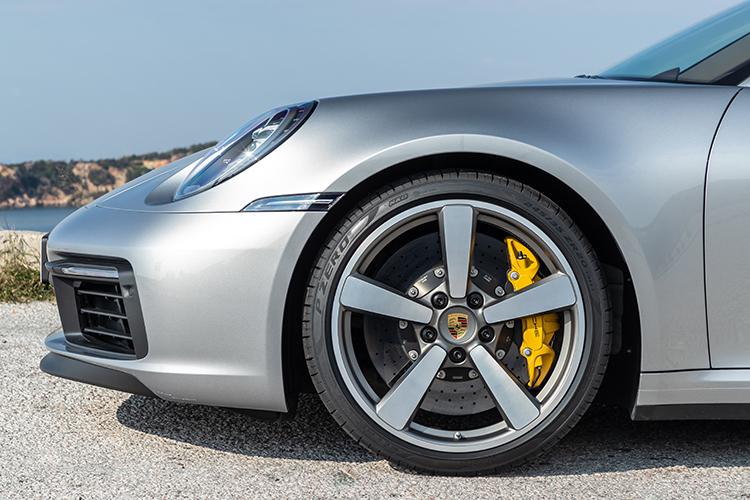 911 carrera s cabriolet carbon-ceramic brakes
