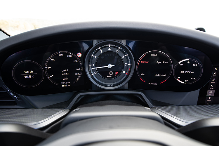 911 carrera s cabriolet dashboard