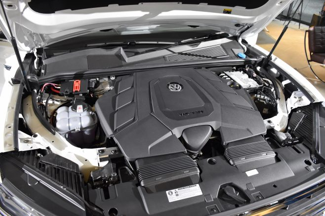 VW Touareg engine