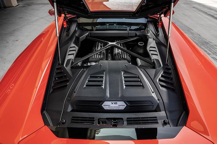 huracan evo engine