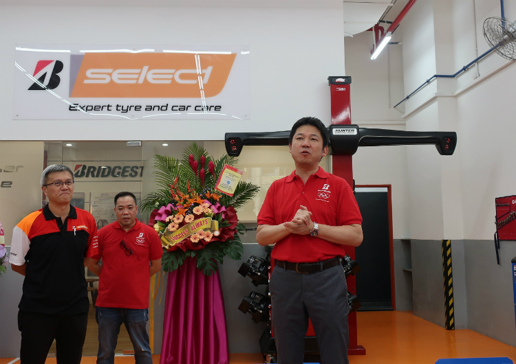 Bridgestone opens new B-Select concept store along Ubi Ave 1 | Torque