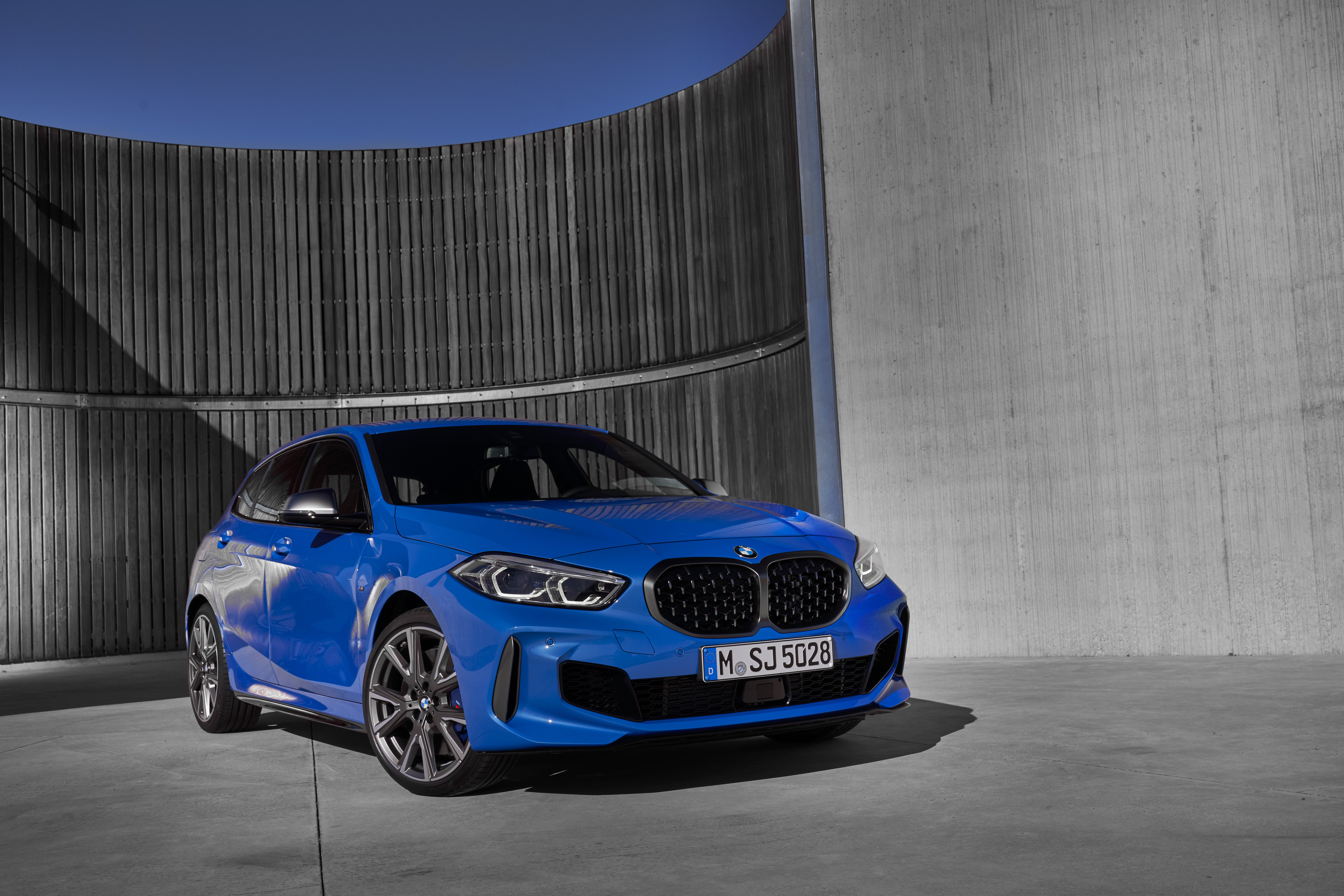 New Bmw 1 Series Faster And Techier With More Front Wheel