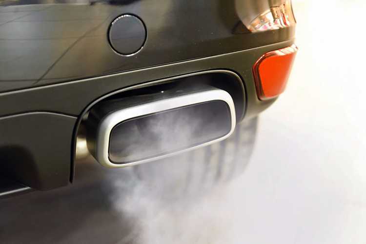smoky exhaust causes