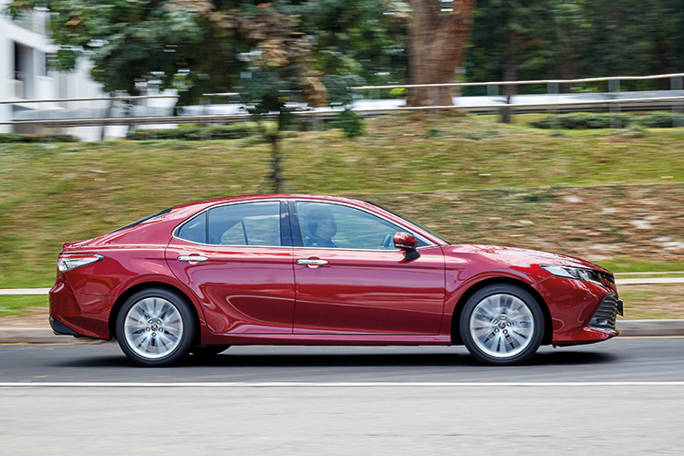 toyota camry driving