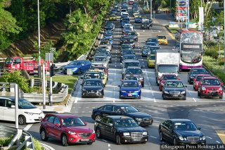 traffic jams in singapore bukit timah road