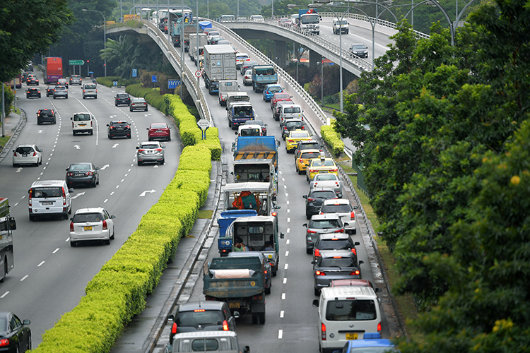 traffic jams in singapore lornie road