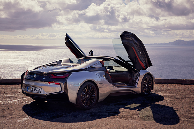 i8 roadster gullwing doors