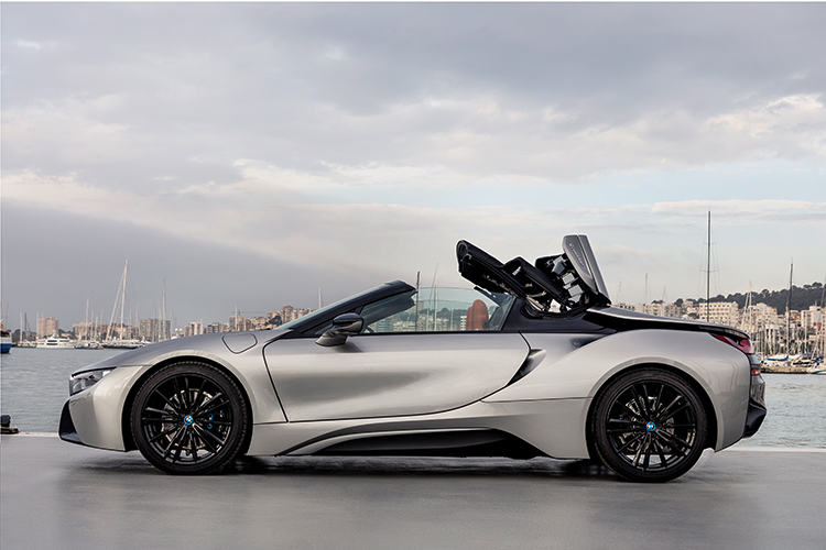 i8 roadster roof operation