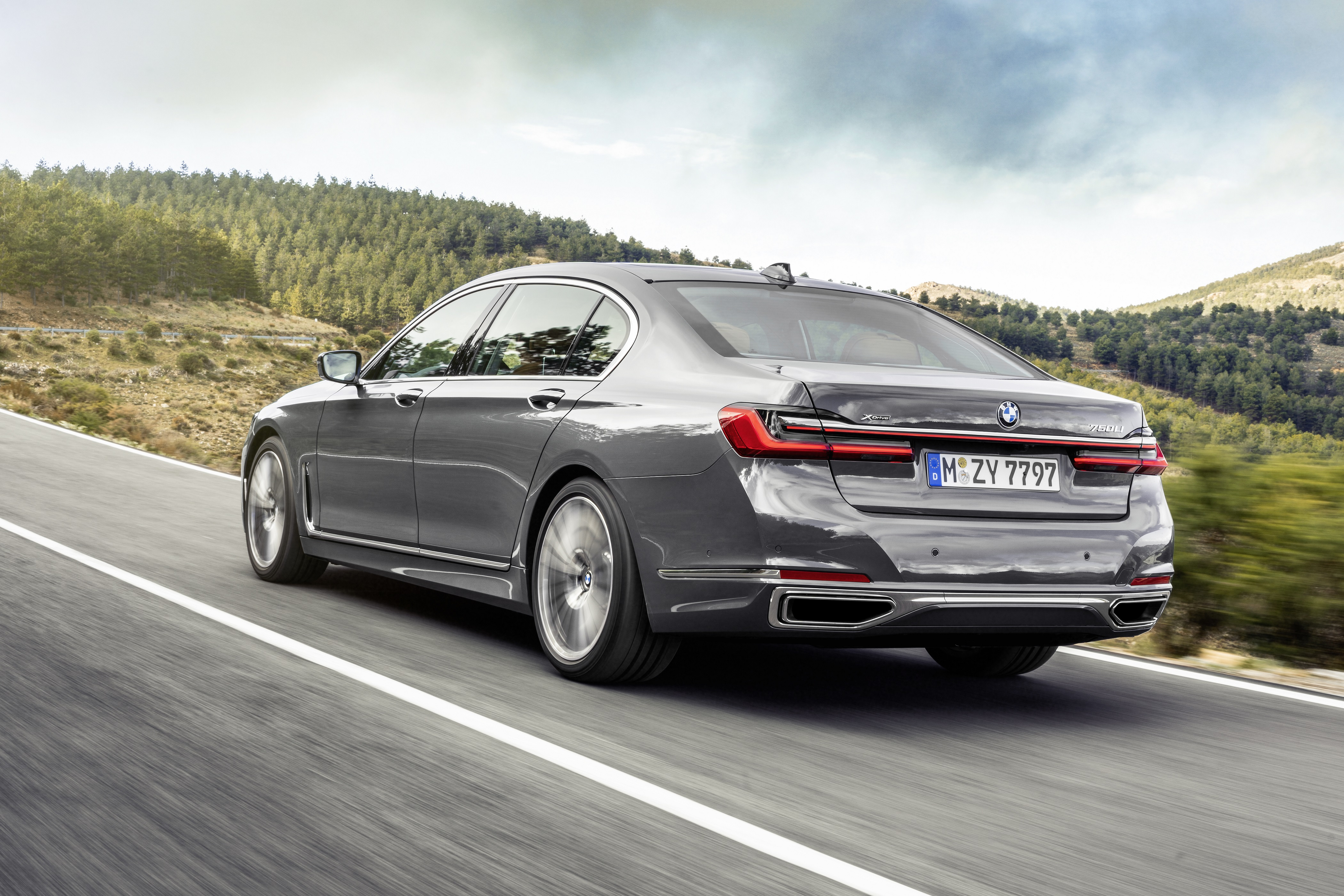 New Bmw 7 Series Now In Singapore With More Interior Tech Torque