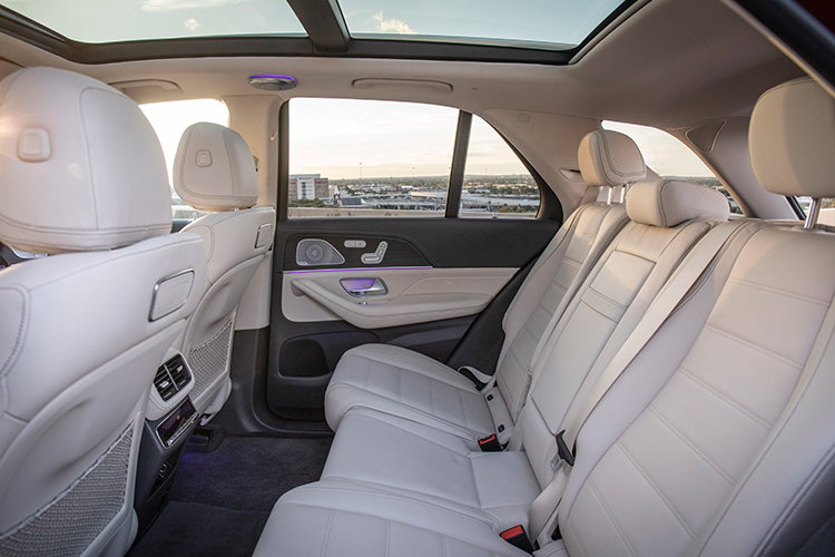 mercedes-benz gle450 backseat