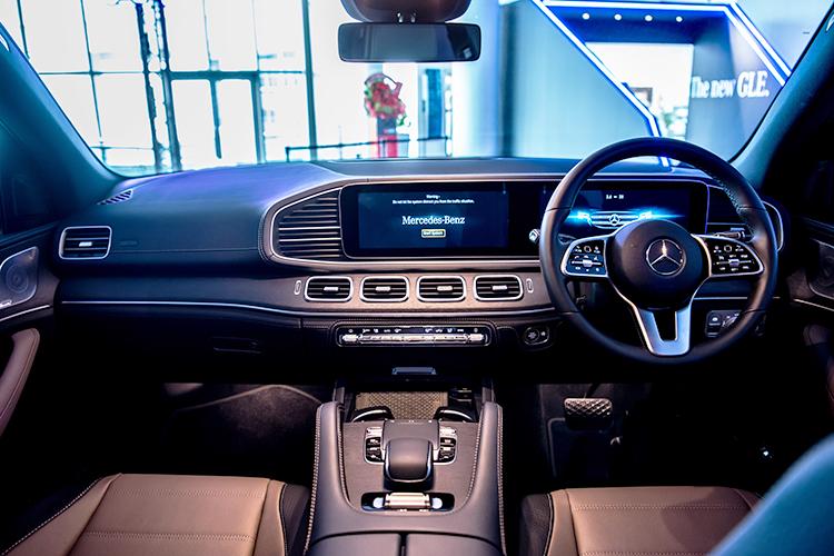 mercedes-benz gle450 interior