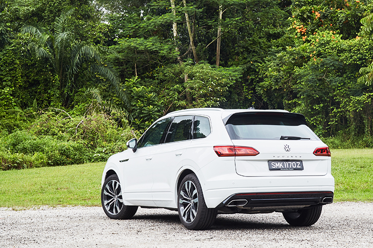 Volkswagen Touareg review: SUV with power and presence | Torque