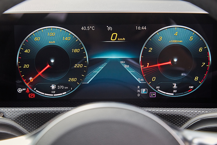 mercedes-benz cla meters sport
